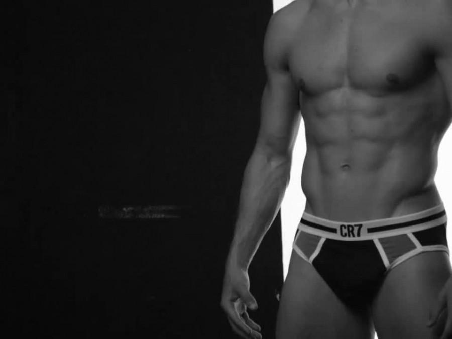 Cristiano-Ronaldo-for-CR7-Underwear-08