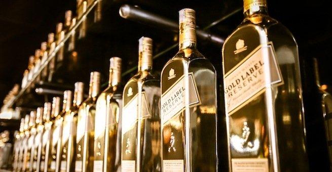 johnnie-walker-gold-label-limited-edition-bottle-shelved-mybottleshop