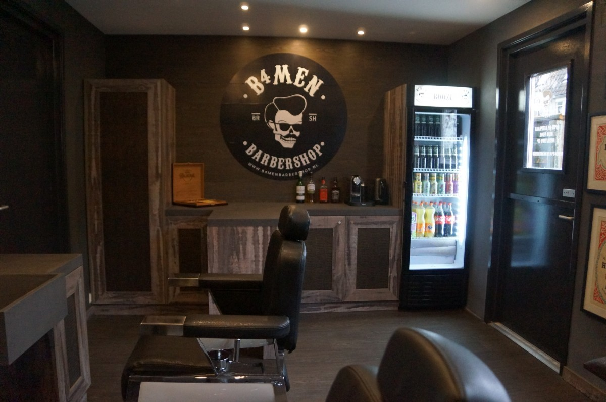 B4men Barbershop binnen in de shop