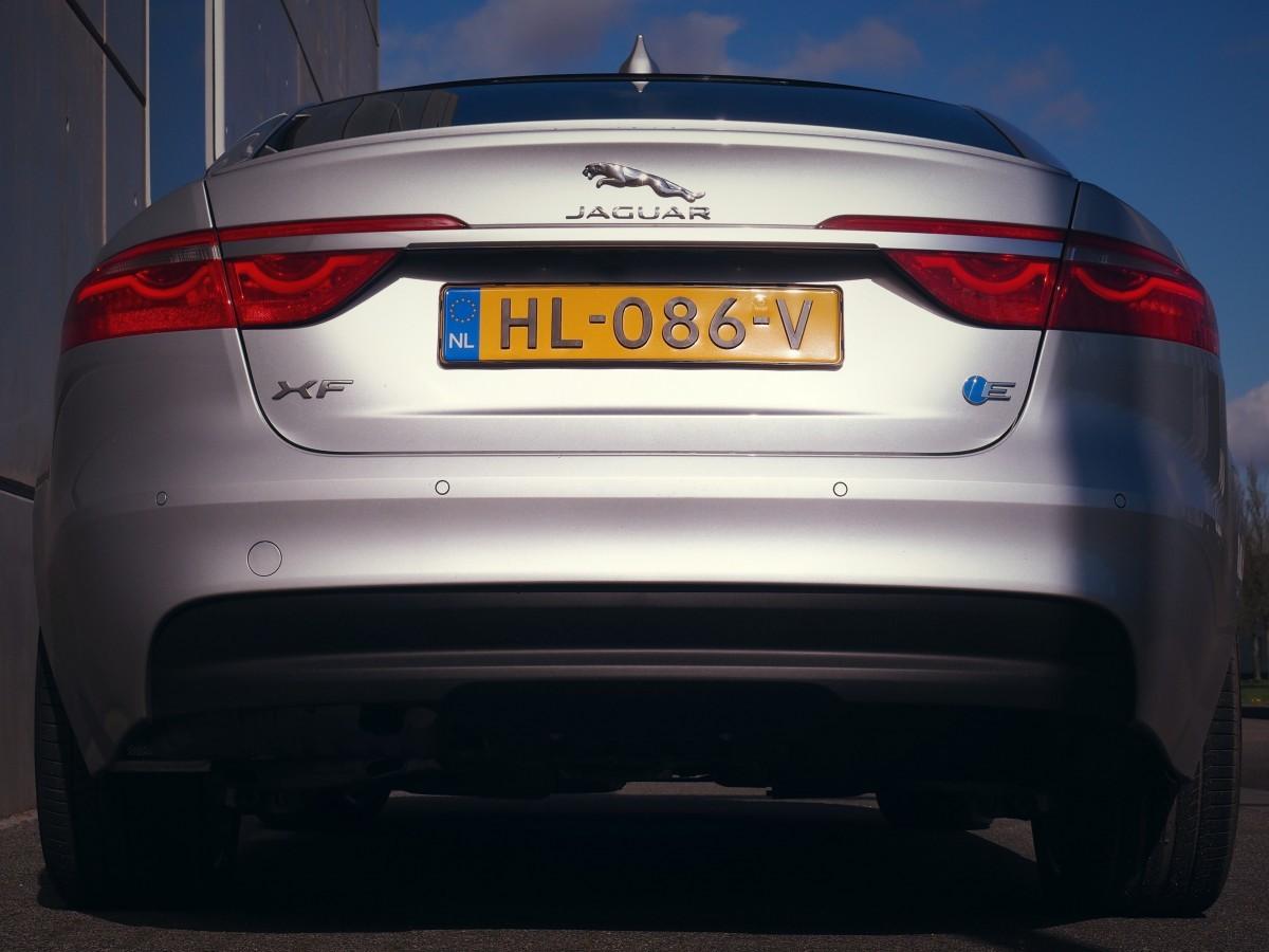 Jaguar XF Back