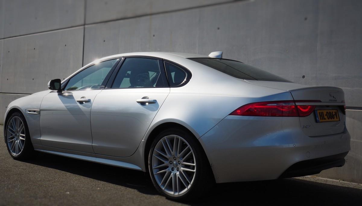 Jaguar XF Side