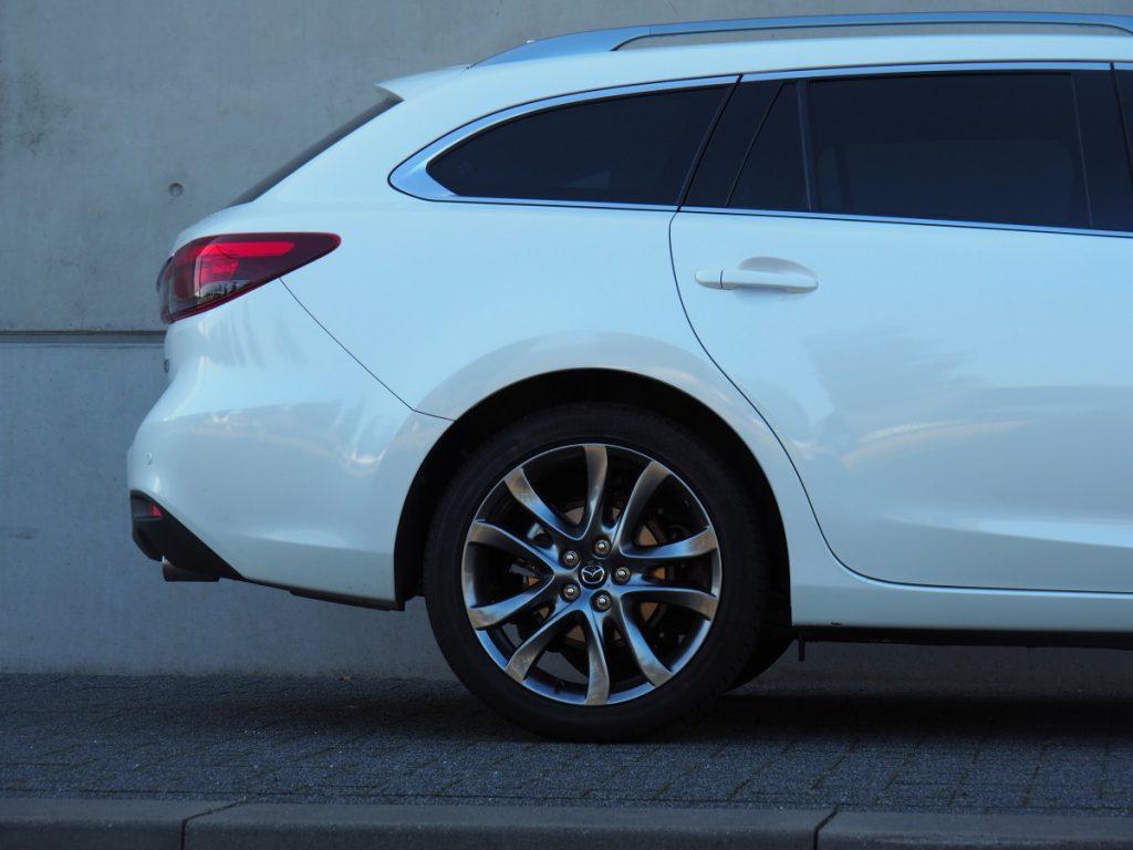 hele dikke kont van de Mazda
