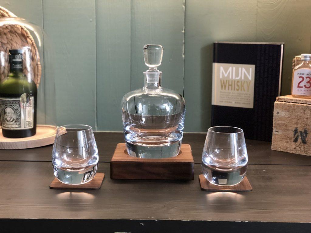 whisky karaf met bijpassende tumblers whisky glazen