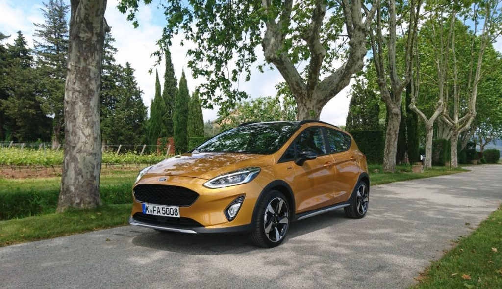 Ford Fiesta Active oker geel