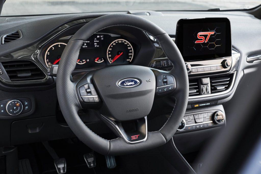 Interieur van de Ford Fiesta ST