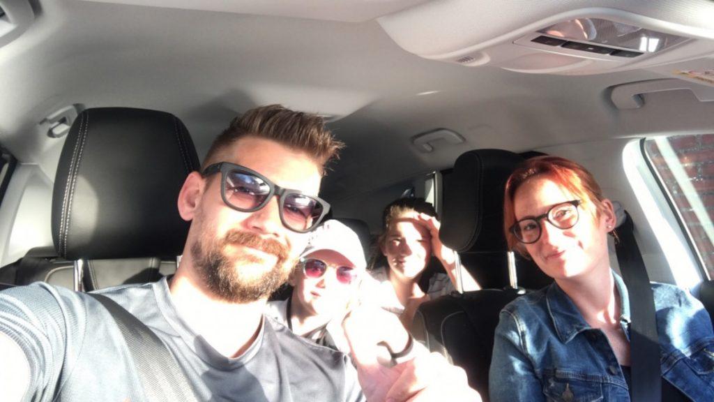 Met het gezin in de auto op weg naar Spartan Maastricht 2018