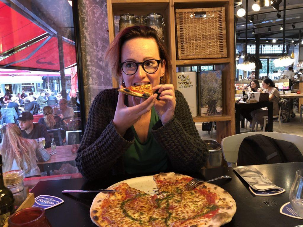 pizza eten bij Happy Italy