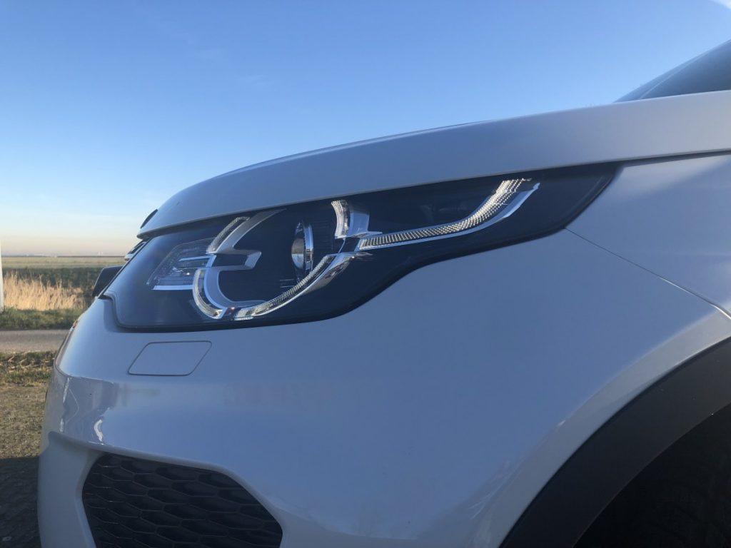 Koplampen van de Land Rover Discovery Sport