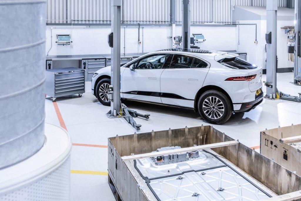 Jaguar I-Pace in de werkplaats