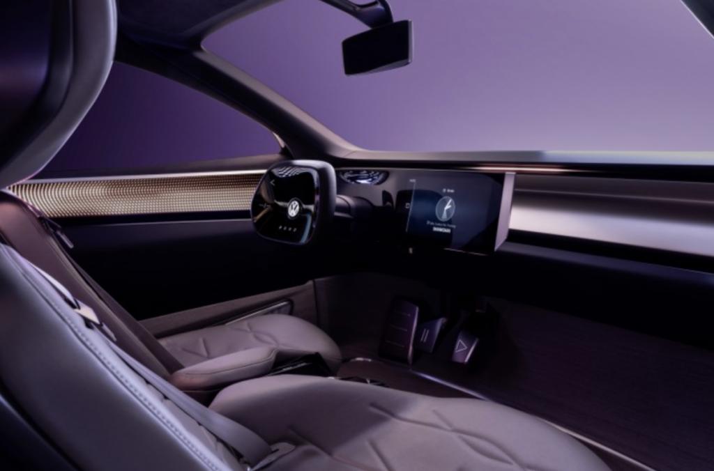 Het interieur en cockpit van de Volkswagen ROOMZZ