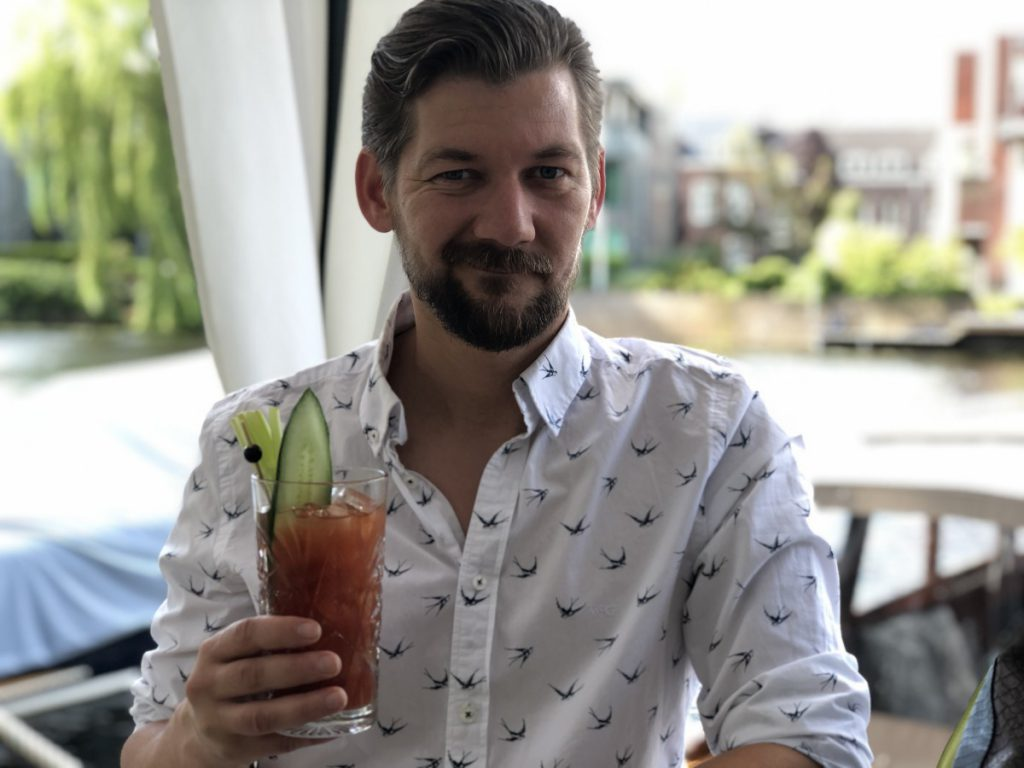 Afterparty met een bloody mary