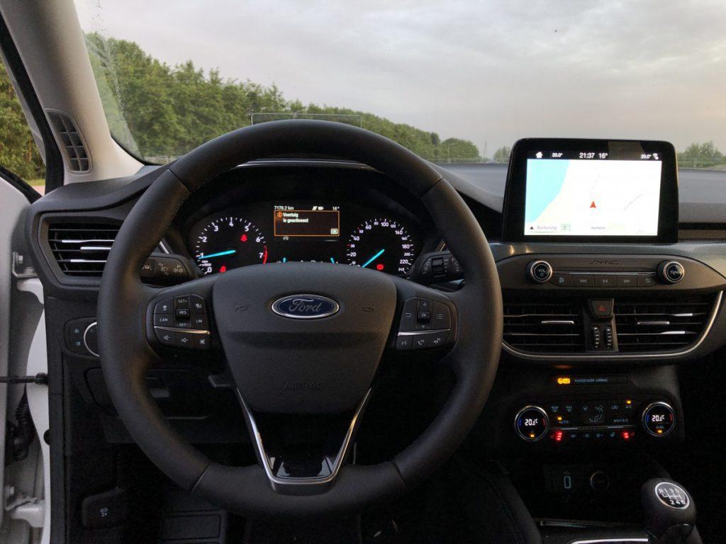 Zoals je nu mooi kan zien gebeurt er veel in de cockpit van de focus