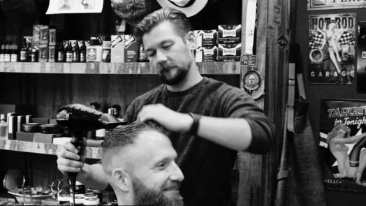 Jan Willem Huffmeijer in de B4men Barbershop