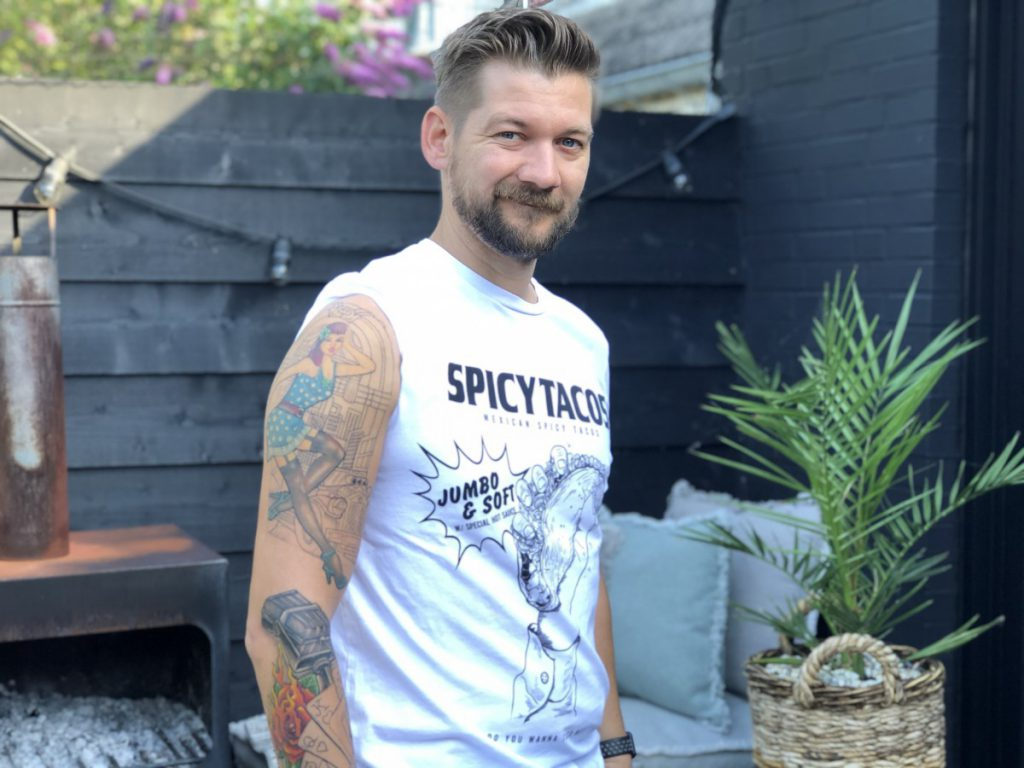 Jan Willem Huffmeijer met Sleeve van een oldschool rockabilly tattoo