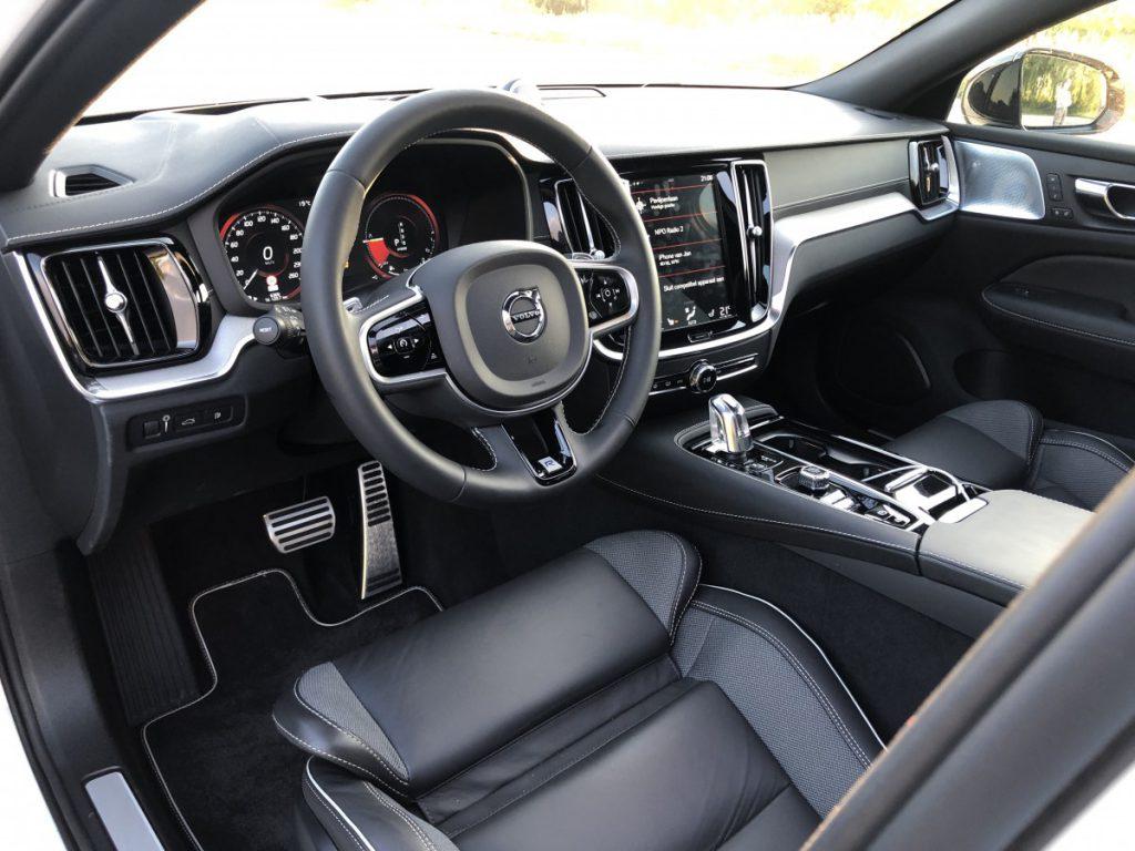 cockpit van de Volvo v60 T8