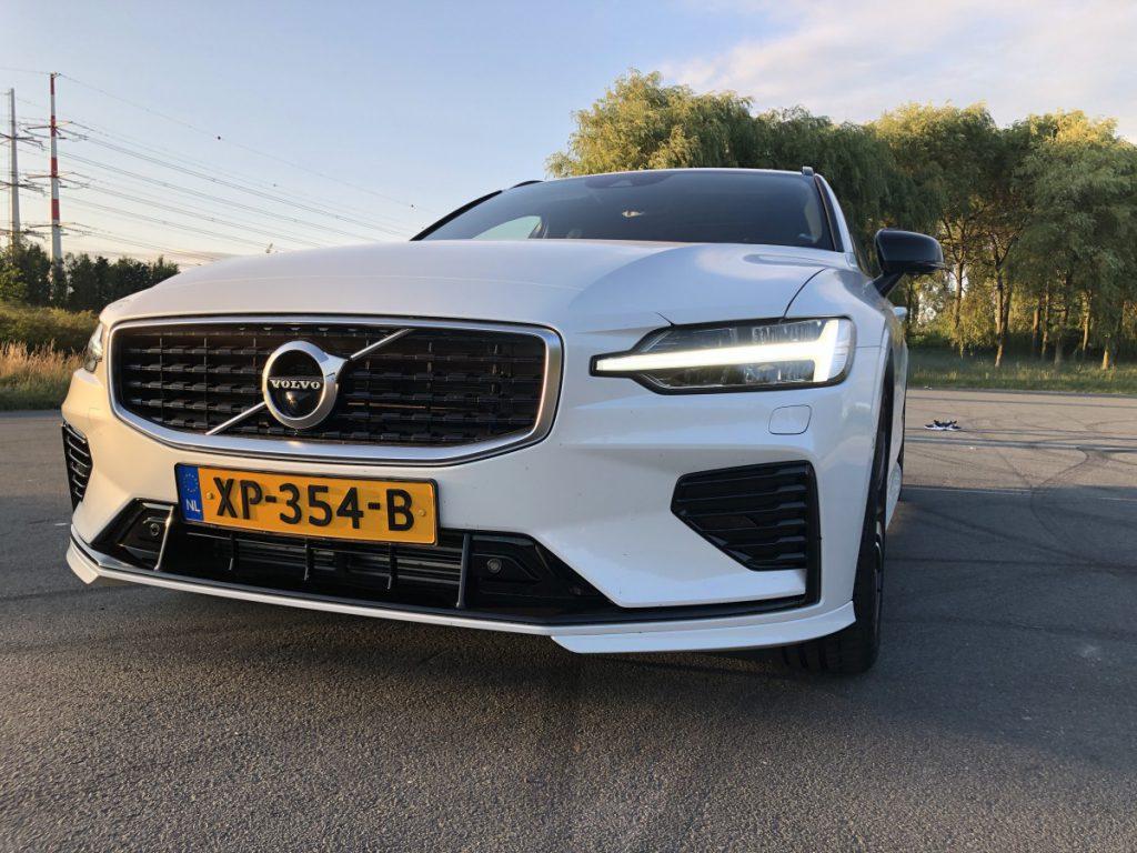 mooie koplampen sieren de Volvo V60