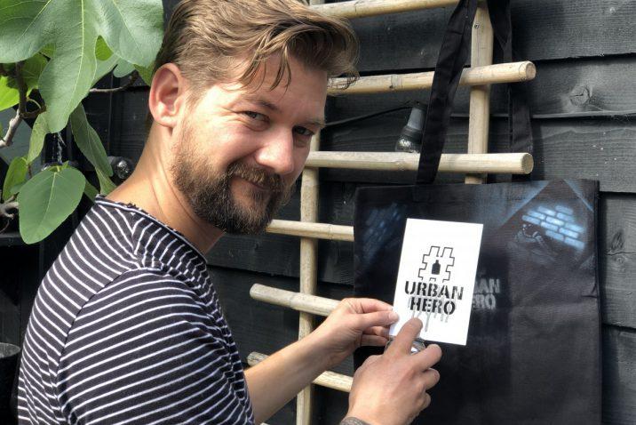 Jan Willem Huffmeijer met de Jimmy Choo Urban Hero