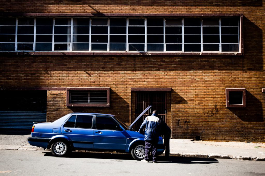 Auto repareren op straat