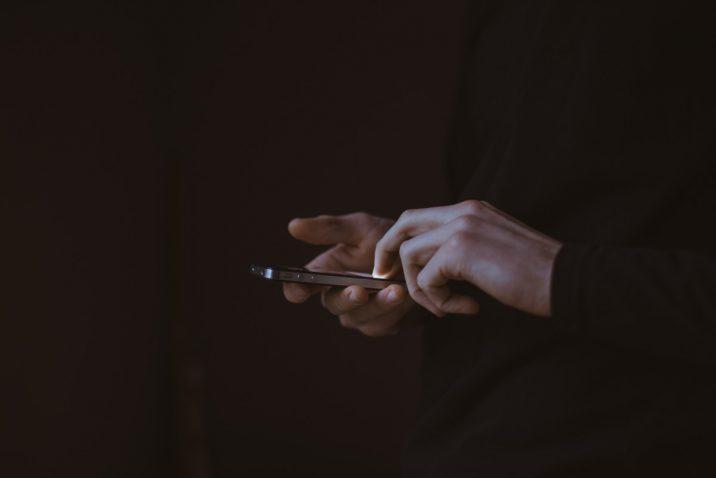 Een iPhone in je handen