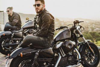 Motorrijden met je vrienden