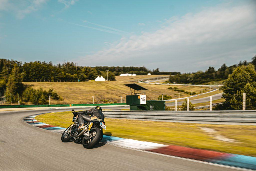 Motorrijden op het circuit