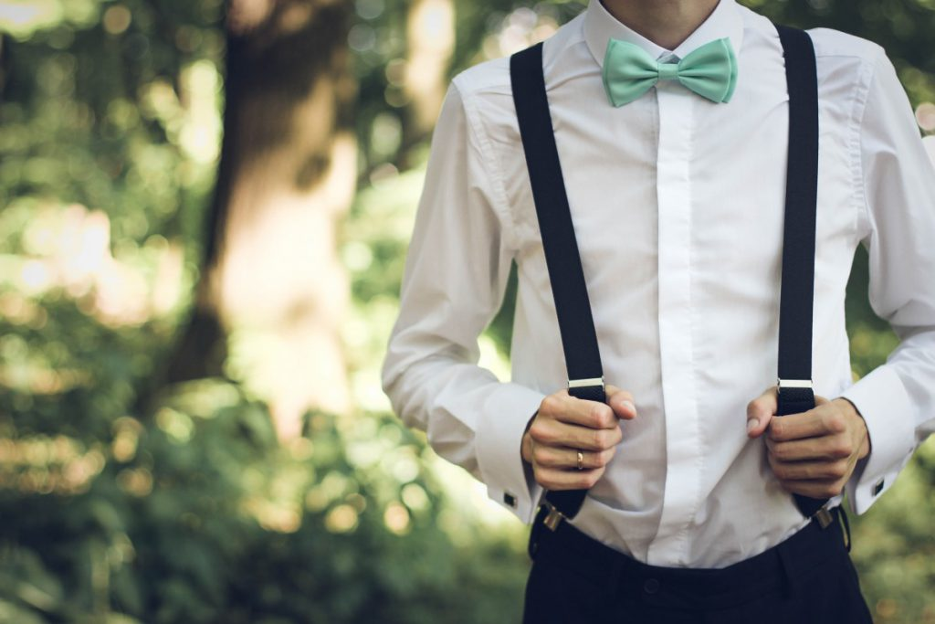 Bretels zijn ideaal om je trouwpak een casual uitstraling te geven
