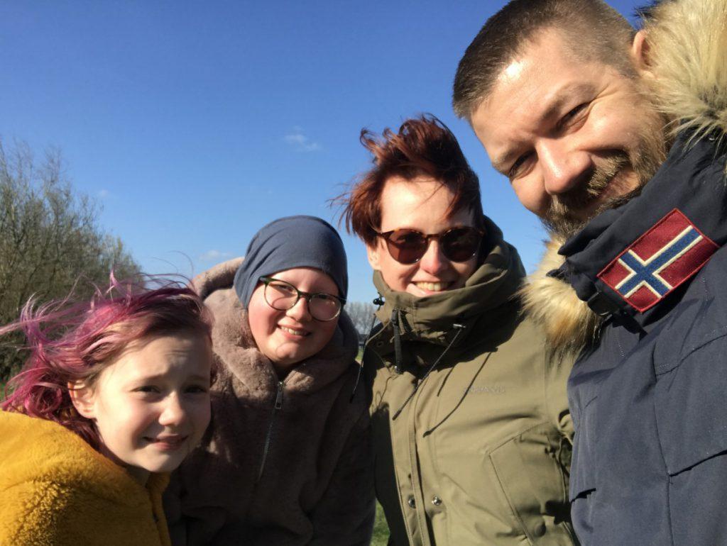 Hier zijn we lekker met het gezin aan de wandel