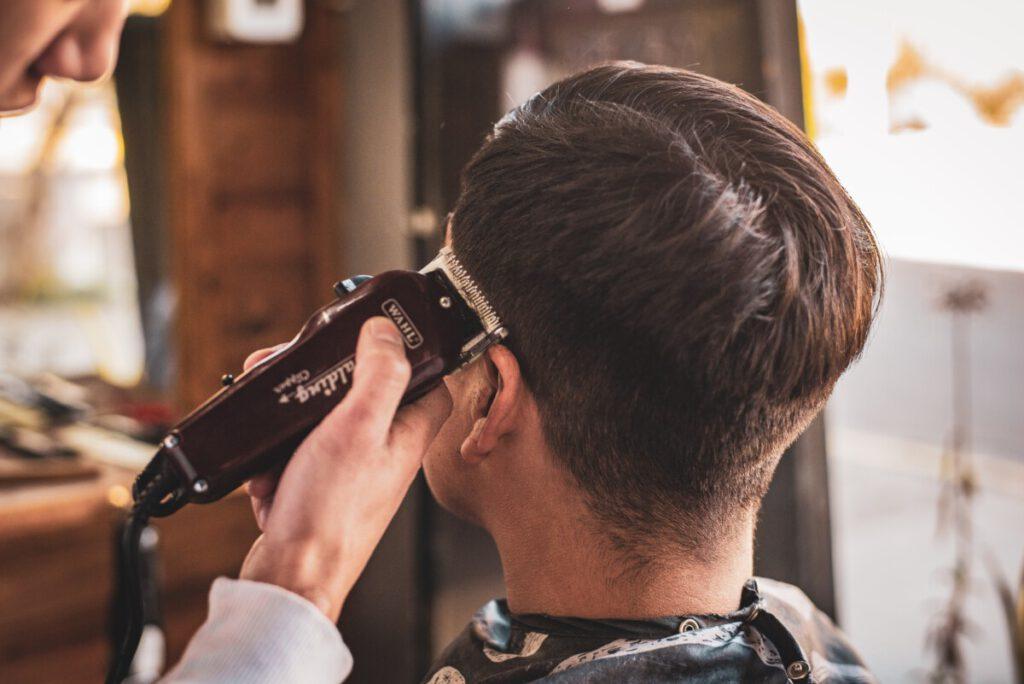 bij de barbershop krijg je de beste herenkapsels