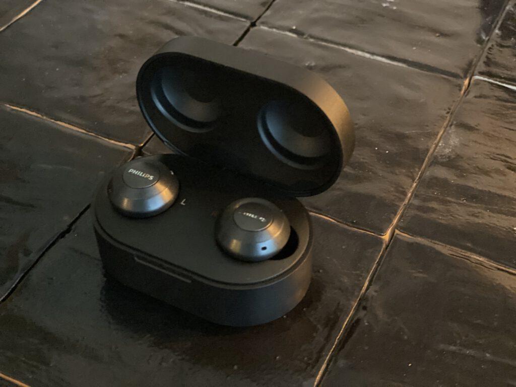 De oortjes in het doosje
