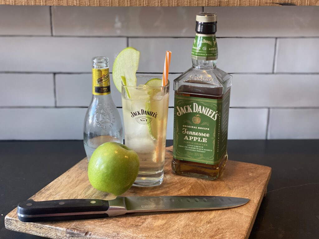 Jack Apple cocktail