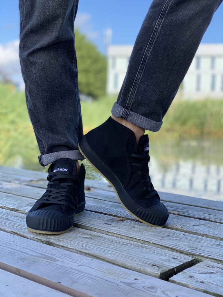 zwarte Komrads sneaker