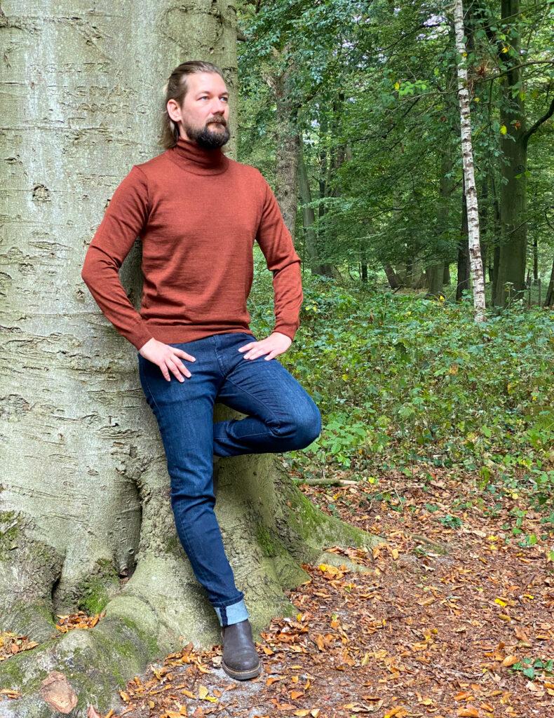 Jan Willem Huffmeijer Suitable herfst winter 2021 / 2022 tegen de boom